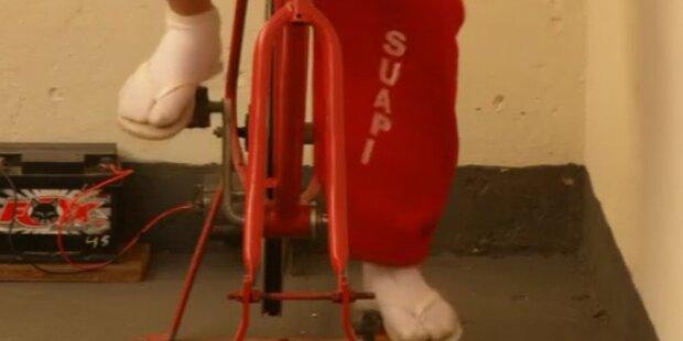 Häftlinge erzeugen Strom am Hometrainer