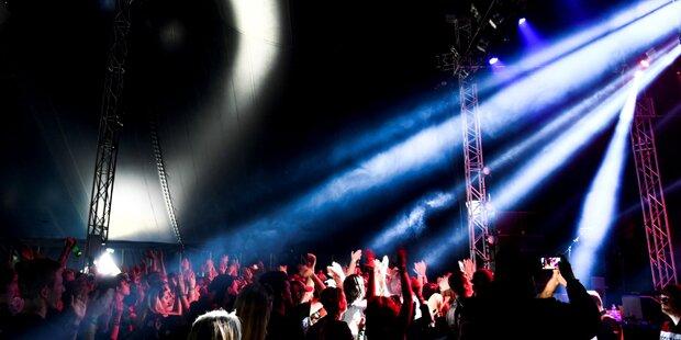 15-Jährige während Konzert vergewaltigt