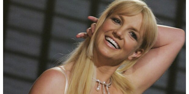Britney verliebt in Kevin-Klon