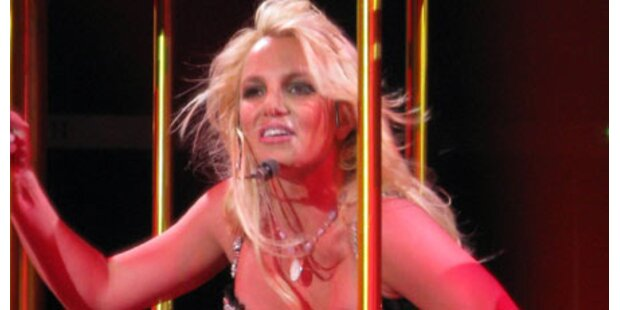Jetzt tanzt Britney Spears oben ohne!