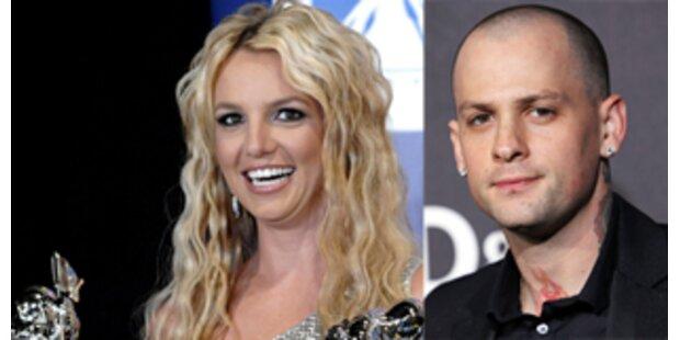 Trifft Britney sich heimlich mit Paris' Ex?