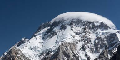 Fieberhafte Suche nach fingerloser Bergsteiger-Legende