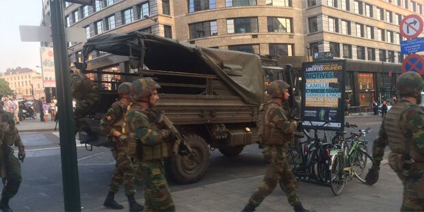 Explosionen und Schüsse am Bahnhof Brüssel