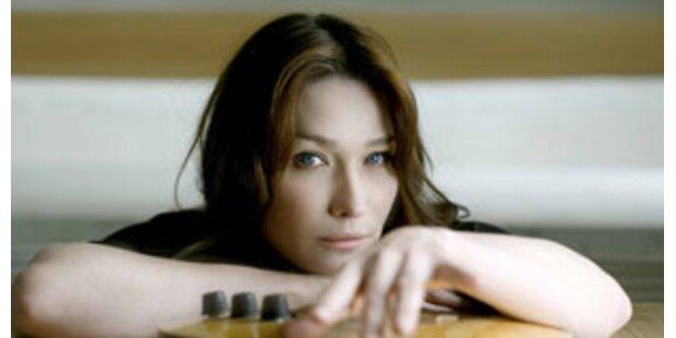 Carla Bruni steckt Album-Kritik schlecht ein