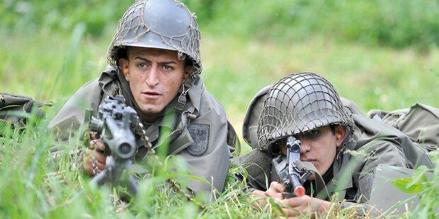 Soldat von Kameraden angeschossen