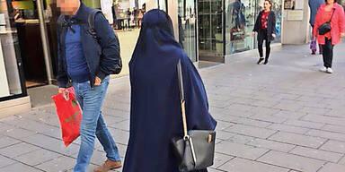 Österreicherin sorgt für 1. Burka-Eklat