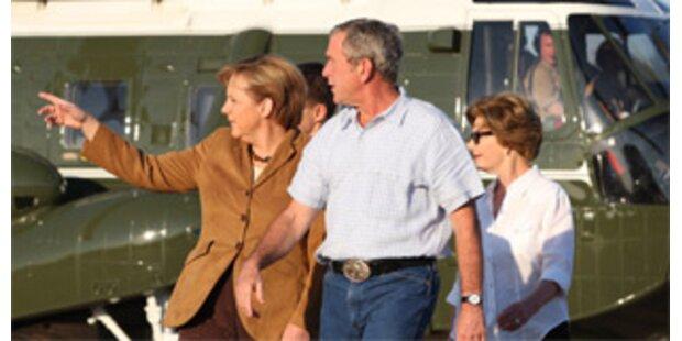 Bush servierte Merkel einen Hamburger