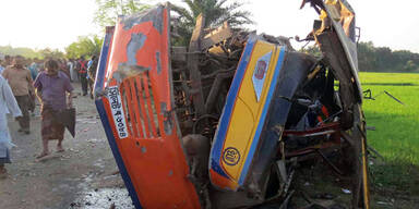 Horror-Crash fordert 30 Tote