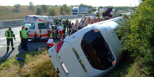 14 Verletzte bei Busunfall auf der A 4