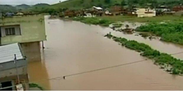 Brasilien: Starke Fluten und Schlammlawine