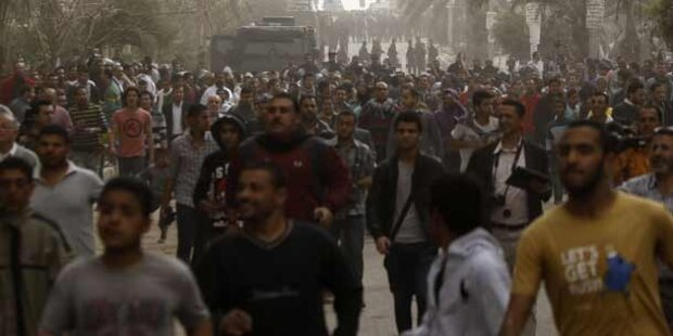 Taxler stürmten Finanzministerium in Kairo