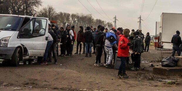 Migrant in Calais erstochen