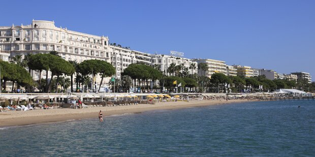 Cannes verbietet große Taschen am Strand