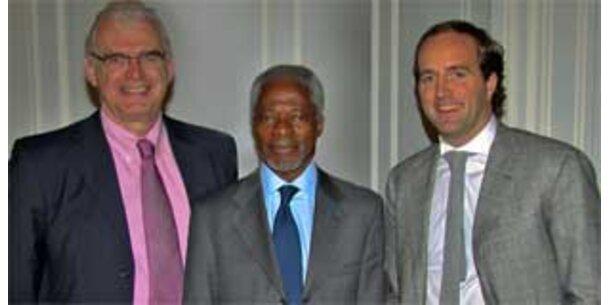 Kofi Annan beim Werbefestival in Cannes