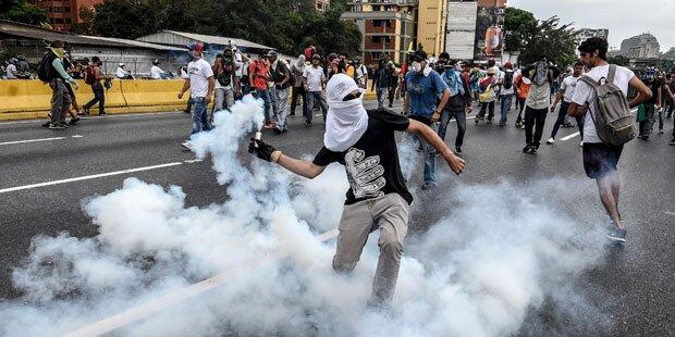 Venezuela: Elf Tote bei nächtlichen Unruhen in Caracas