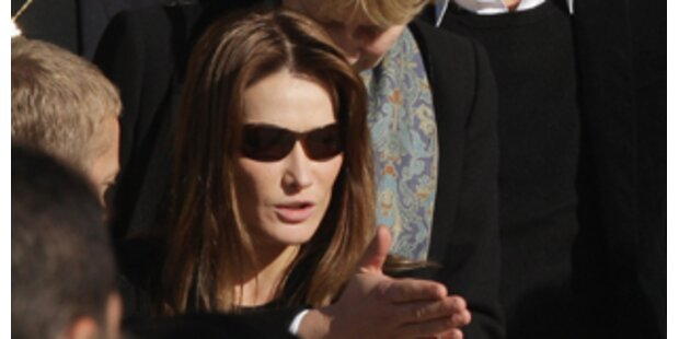 Carla Bruni bei Trauerfeier für Depardieu