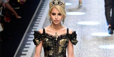 Caro Daur rockt die Mailänder Modewoche