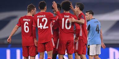 Die Bayern-Elf gratuliert Musiala: Der jüngste CL-Torschütze der Münchner Club-Geschichte.