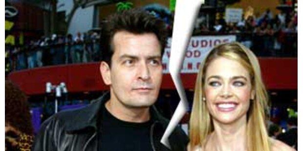Charlie Sheen schickte Denise Richards Hass-Mails