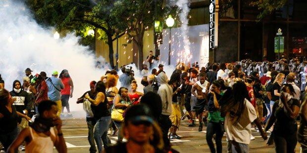 Ausnahmezustand wegen Protesten gegen Polizei ausgerufen