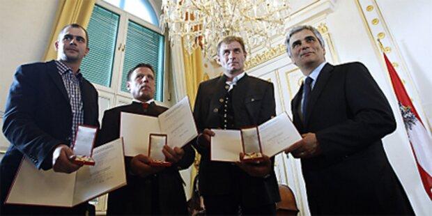Heimische Helfer erhalten Verdienstkreuz