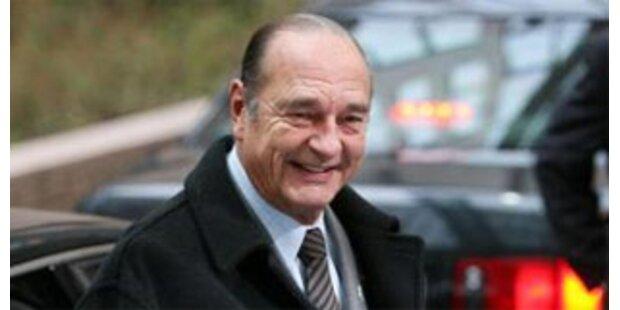 Ex-Präsident Chirac von seinem Schoßhund gebissen