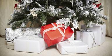 Christbaum Geschenke Weihnachten