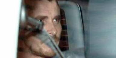 Christian Bale verlässt die Polizeistation