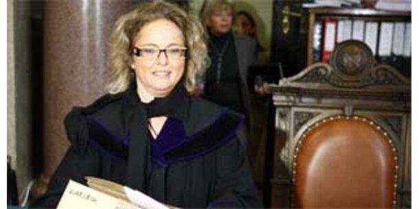 Richterin verwarnt Elsner