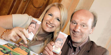 Claudia Stöckl und Josef Zotter präsentieren die ZUKI-Schokolade um 3,05 Euro.