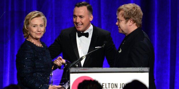 Elton John Foundation ehrte Hillary Clinton
