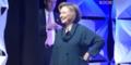 Hillary Clinton bei Rede attackiert