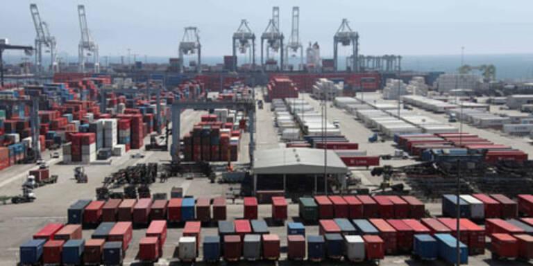 EU-Razzia bei Container-Reedereien