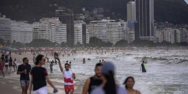 Trotz Rekord-Zahlen: Party-Stimmung an Rios Stränden