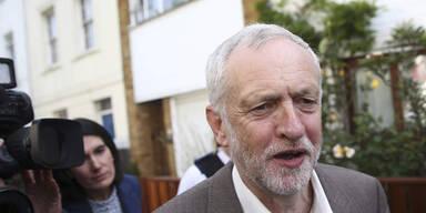 Labour-Chef Corbyn verliert Vertrauensabstimmung