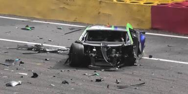 Der Wagen von Williams Formel-1-Reservefahrer Jack Aitken nach einem Unfall beim 24-Rennen in Spa