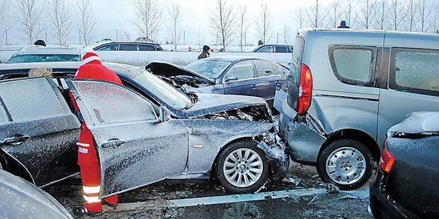 Horror- Crash mit 65 Autos auf A1