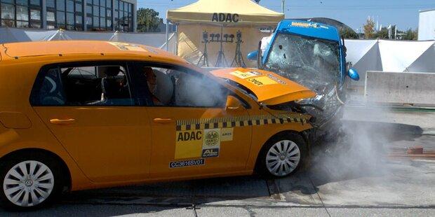 Kleine Autos bei Unfall klar im Nachteil
