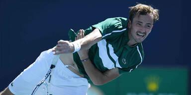 Tennis: Topgesetzter Medwedew im Viertelfinale out