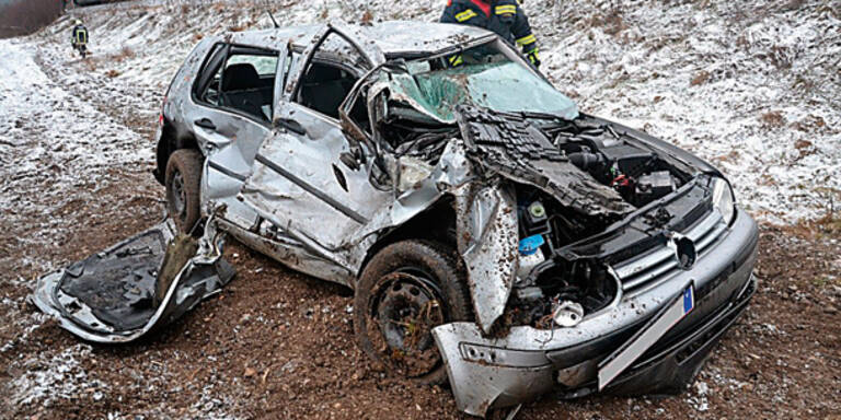 Mann (44) überlebt Zug-Crash