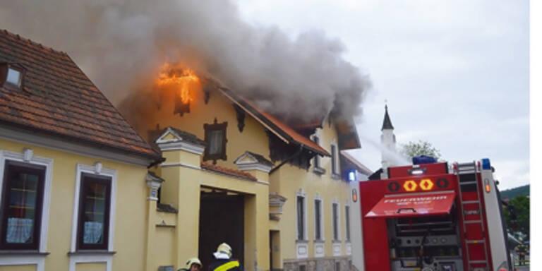 Wohnhaus durch Feuer zerstört
