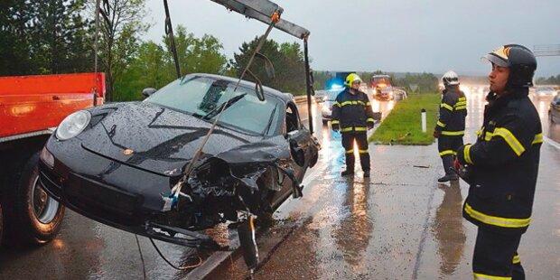 Unwetter crasht Luxus-Autos