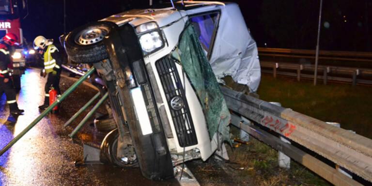 Unfall auf S1 fordert eine Tote