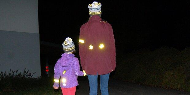 Nur fünf Prozent der Fußgänger tragen Reflektoren