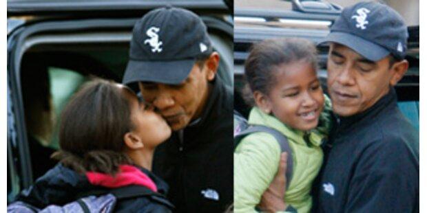 First Daddy Obama bringt seine Mädels zur Schule