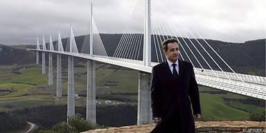 Das Millaut-Viadukt beeindruckt Präsident Sarkozy