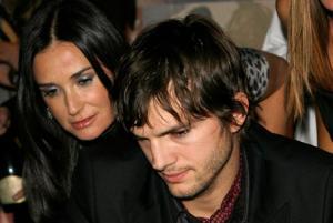 Demi Moore & Ashton Kutcher 446*300