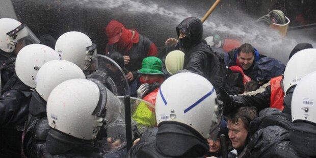 Demo gegen Jobabbau in Stahlbranche eskaliert