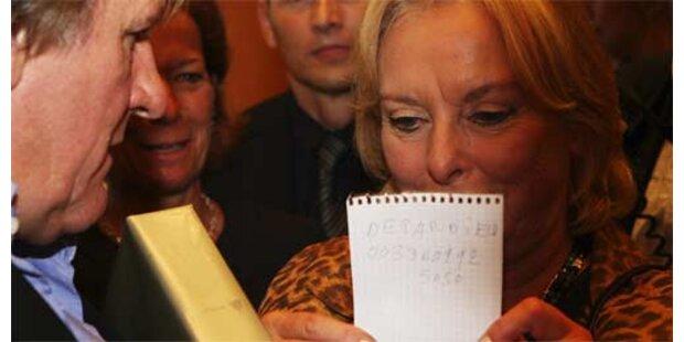 Eliette von Karajan zeigte die Nummer von Depardieu her