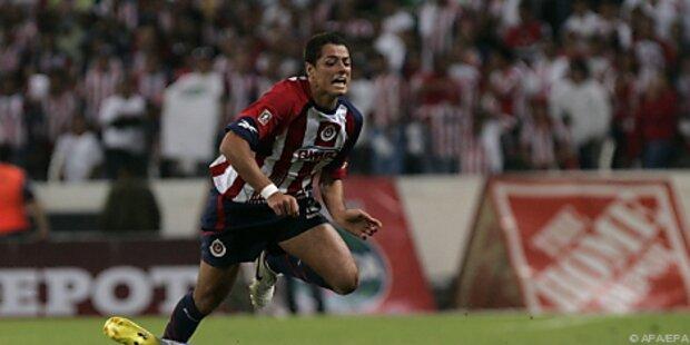ManU verpflichtete mexikanischen Stürmer Hernandez